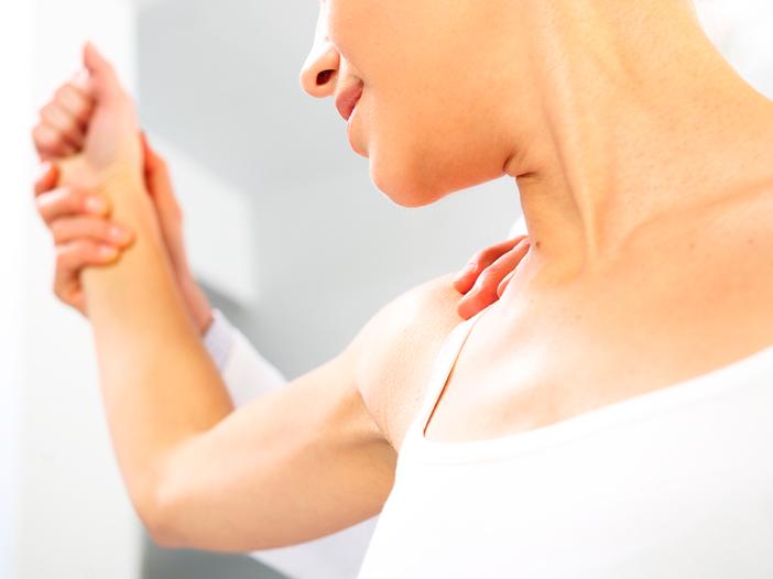Dolor de hombro - Causas y tratamientos - Clínica DKF